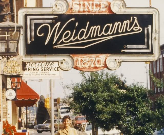 Old Weidmann's Sign